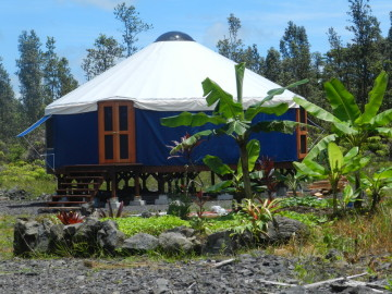 The yurt studio eco hostel hawaii for Skylights of hawaii llc